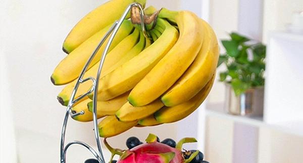 banana-hanging