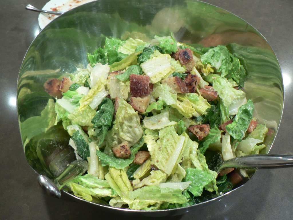 All About Lettuce : Types, Nutritional Value And Smoothies lettuce-caesar-salad